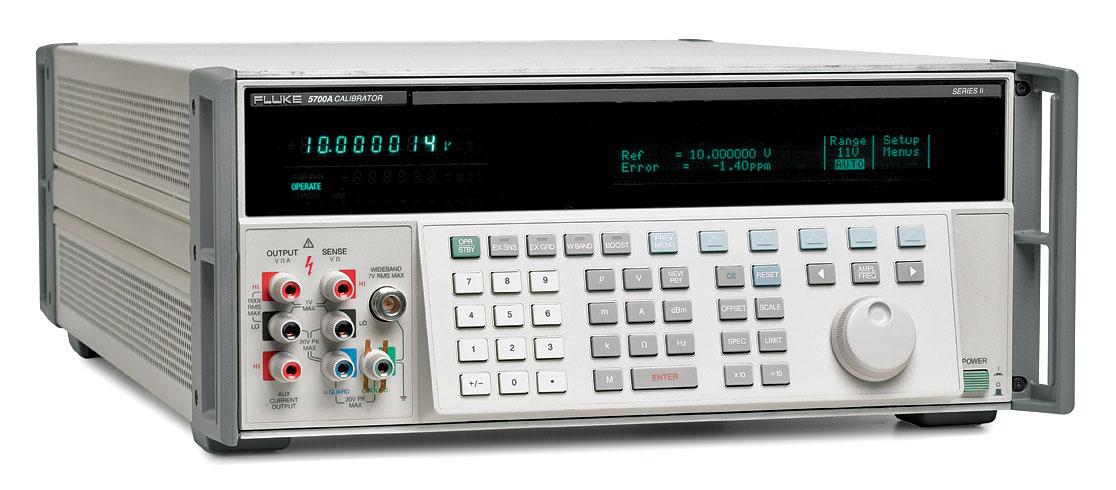 FLUKE 5700A Многофункциональный калибратор